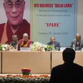 Далай-лама встретился в Дели с врачами и персоналом больницы им. Рамманохара Лохии