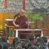 Далай-лама провел встречу с тибетскими студентами в Дели