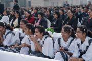 Во время лекции Его Святейшества Далай-ламы в англо-ведической школе им. Даянанда. Газиабад, штат Уттар-Прадеш, Индия. 27 января 2015 г. Фото: Тензин Чойджор (офис ЕСДЛ)
