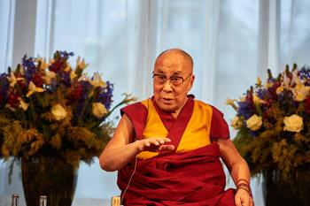 Далай-лама начал учения в Базеле по сочинению Нагарджуны «Толкование бодхичитты»