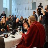 В Копенгагене Далай-лама прочел публичную лекцию «Сила через сострадание и единение»