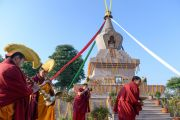 Монахи готовятся встречать Его Святейшество Далай-ламу у новой ступы в монастыре Сечен. Санкиса, штат Уттар-Прадеш, Индия. 31 января 2015 г. Фото: Тензин Чойджор (офис ЕСДЛ)