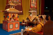 Его Святейшество Далай-лама проводит подготовительные ритуалы перед посвящением Авалокитешвары. Базель, Швейцария. 8 февраля 2015 г. Фото: Джереми Рассел (офис ЕСДЛ).
