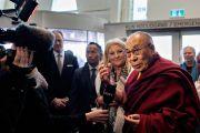 Его Святейшество Далай-лама дает короткое интервью в лобби гостиницы. Копенгаген, Дания. 10 февраля 2015 г. Фото: Ларс Юст.