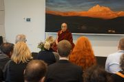 Его Святейшество Далай-лама встречается с членами организационного комитета его визита в Копенгаген и группами поддержки Тибета в первый день своего визита. Копенгаген, Дания. 10 февраля 2015 г. Фото: Джереми Рассел (офис ЕСДЛ).