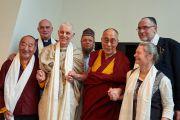 Его Святейшество Далай-лама с датскими религиозными лидерами. Дания, Копенгаген. 11 февраля 2015 г. Фото: Оливье Адам.