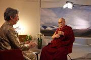 Его Святейшество Далай-лама дает интервью Метте Холм с канала TV2. Дания, Копенгаген. 11 февраля 2015 г. Фото: Оливье Адам.