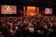 """Вид на сцену конференц-центра """"Белла"""" во время лекции Его Святейшества Далай-ламы. Дания, Копенгаген. 11 февраля 2015 г. Фото: Оливье Адам."""