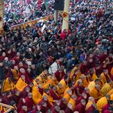 В день явления чудесных сил Будды Далай-лама провел учения по Джатакам