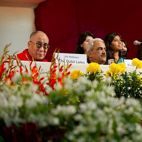 Далай-лама отвечает на вопросы студентов университета Джамия Миллия Исламия