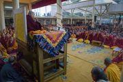 ЕГо Святейшество Далай-лама дарует учения по Джатакам (повествованиям о предыдущих рождениях Будды Шакьямуни). Дхарамсала, Индия. 5 марта 2015 г. Фото: Тензин Чойджор (офис ЕСДЛ)