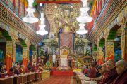 Его Святейшество Далай-лама произносит речь в монастыре Палпунг Шераблинг. Верхний Бхатту, штат Химачал-Прадеш, Индия. 11 марта 2015 г. Фото: Тензин Чойджор (офис ЕСДЛ)