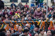 Тибетцы слушают Его Святейшество Далай-ламу в институте Лунгрик Джампеллинг в монастыре Палпунг Шераблинг. Верхний Бхатту, штат Химачал-Прадеш, Индия. 12 марта 2015 г. Фото: Тензин Чойджор (офис ЕСДЛ)