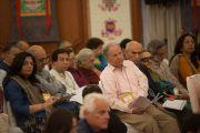 Слушатели в зале в первый день ежегодных трехдневных учений Его Святейшества Далай-ламы, организованных Фондом всеобщей ответственности. Дели, Индия. 20 марта 2015 г. Фото: Тензин Чойджор (офис ЕСДЛ)