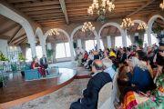 Его Святейшество Далай-лама на встрече с индийцами, представителями разных профессий. Дели, Индия. 21 марта 2015 г. Фото: Тензин Чойджор (офис ЕСДЛ)