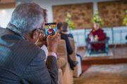 На встрече Его Святейшества Далай-ламы с индийцами, представителями разных профессий. Дели, Индия. 21 марта 2015 г. Фото: Тензин Чойджор (офис ЕСДЛ)