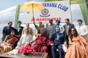 Его Святейшество Далай-лама и члены правления клуба Джимкхана. Дели, Индия. 23 марта 2015 г. Фото: Тензин Чойджор (офис ЕСДЛ)