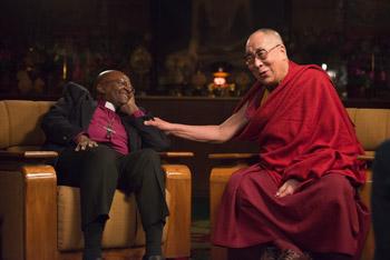 В Дхарамсале началась серия бесед Далай-ламы с архиепископом Десмондом Туту, которые войдут в «Книгу радости»
