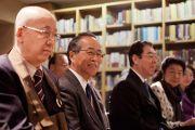 Сторонники Тибета слушают Его Святейшество Далай-ламу во время встречи в новом тибетском офисе в Токио. Токио, Япония. 5 апреля 2015 г. Фото: Тензин Джигме