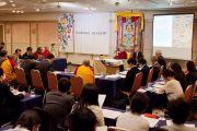 Его Святейшество Далай-лама принимает участие в научной конференции по буддийской философии, организованной академией Дрепунг Гоманг. Токио, Япония. 5 апреля 2015 г. Фото: Тензин Джигме