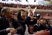 В зале во время выступления Его Святейшества Далай-ламы. Токио, Япония. 6 апреля 2015 г. Фото: Тензин Джигме