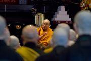 Его Святейшество Далай-лама выступает с лекцией в храме Соудзи. Токио, Япония. 11 апреля 2015 г. Фото: Тензин Джигме