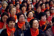 Во время учений Его Святейшества Далай-ламы в университете Шова. Токио, Япония. 12 апреля 2015 г. Фото: Тензин Джигме