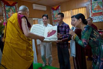 Далай-лама встретился с группой исполнительных директоров из Вьетнама