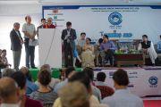 Его Святейшество Далай-лама выступает перед гостями нового информационного центра. Кангра, штат Химачал-Прадеш, Индия. 9 мая 2015 г. Фото: Тензин Чойджор (офис ЕСДЛ)