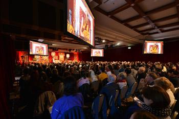 Второй день учений Далай-ламы в Леуре