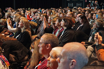 Далай-лама принял участие в конференции «Счастье и его причины» в Сиднее