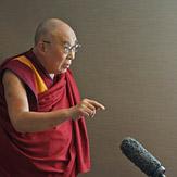 Начался визит Далай-ламы в Великобританию