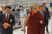 Его Святейшество Далай-лама в аэропорту Сиднея. Австралия. 4 июня 2015 г. Фото: Джереми Рассел (офис ЕСДЛ)