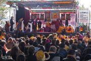 Во время подношения Его Святейшеству Далай-ламе молебна о долголетии. Катумба, штат Новый Южный Уэльс, Австралия. 7 июня 2015 г. Фото: Джереми Рассел (офис ЕСДЛ)