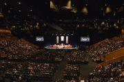 Вид на зал во время публичной лекции Его Святейшества Далай-ламы. Брисбен, Квинсленд, Австралия. 12 июня 2015 г. Фото: Расти Стюарт