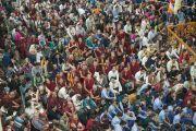 На праздник в честь 80-летия Его Святейшества Далай-ламы в главном тибетском храме Дхарамсалы собрались тысячи людей. Дхарамсала, Индия. 21 июня 2015 г. Фото: Тензин Чойджор (офис ЕСДЛ)