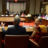 Его Святейшество Далай-лама стал гостем Президентского центра Джорджа Буша и посетил Южный методистский университет