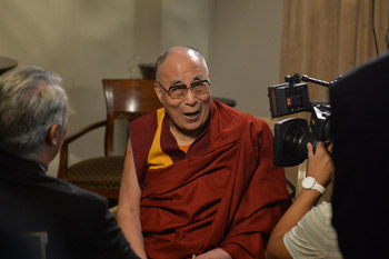 Далай-лама дал интервью одной из крупнейших испаноязычных телекомпаний США «Телемундо»