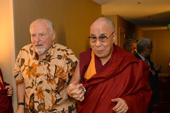 Далай-лама обсудил с учеными карту эмоций и прочел лекцию, посвященную медитации о сострадании