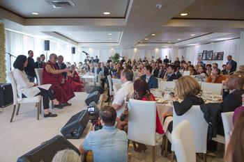 Круглый стол «Пробуждение сострадания» и празднование 80-летия Его Святейшества Далай-ламы