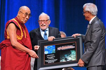 Далай-лама принял участие в конференции по проблемам изменения климата