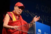 Его Святейшество Далай-лама выступает с лекцией в Южном методистском университете. Даллас, штат Техас, США. 1 июля 2015 г. Фото: Центр Буша