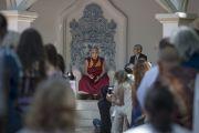 """Его Святейшество Далай-лама говорит о мудрости, любви и сострадании на саммите """"Вершины ума"""" на ранчо """"Лас-Ломас"""" в Сильверадо. Штат Калифорния, США. 4 июля 2015 г. Фото: Тензин Чойджор (офис ЕСДЛ)"""