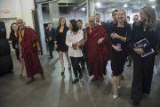 Его Святейшество Далай-лама прибыл в Хонда-центр в первый день трехдневного саммита, посвященного глобальному состраданию. Аннахайм, штат Калифорния, США. 5 июля 2015 г. Фото: Тензин Чойджор (офис ЕСДЛ)