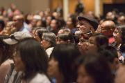 В зале театра Аннахайма во время провозглашения Гарден-Гроув и Вестминстера городами сострадания. Аннахайм, штат Калифорния, США. 5 июля 2015 г. Фото: Тензин Чойджор (офис ЕСДЛ)