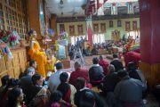 Его Святейшество Далай-лама принимает участие в молебне в храме Джоканг. Ле, Ладак, штат Джамму и Кашмир, Индия. 28 июля 2015 г. Фото: Тензин Чойджор (офис ЕСДЛ)