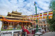 В храме Джоканг ожидают прибытия Его Святейшества Далай-ламы. Ле, Ладак, штат Джамму и Кашмир, Индия. 28 июля 2015 г. Фото: Тензин Чойджор (офис ЕСДЛ)