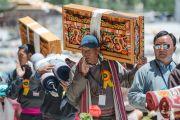 Местные жители несут ритуальные подношения во время молебна о долголетии Его Святейшества Далай-ламы. Ле, Ладак, штат Джамму и Кашмир, Индия. 30 июля 2015 г. Фото: Тензин Чойджор (офис ЕСДЛ)