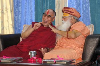 Далай-лама встретится со Свами Каршни Гуруашаранандаджи на фестивале Кумбха-мела в Нашике