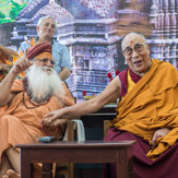 Далай-лама посетил праздник Кумбха-мела в Нашике